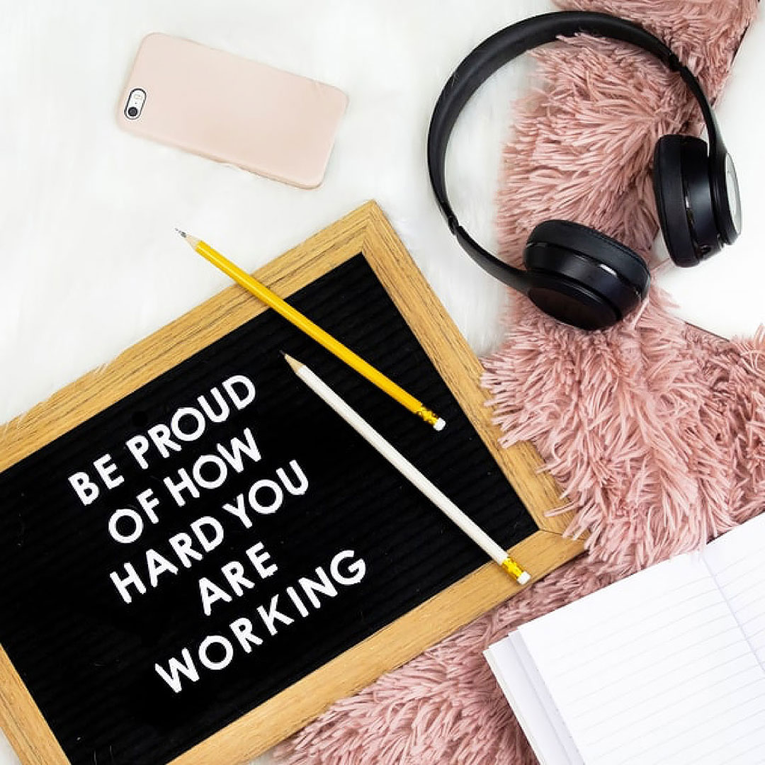 How to market yourself as a freelancer: encouraging board of consistency